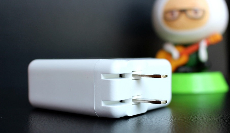 The role and advantages of the power adapter