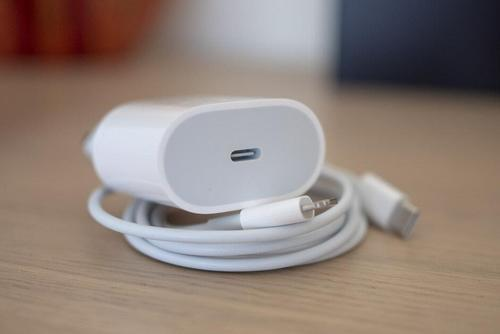 Which iPhone 18w charger or 20w charger is more worth buying?