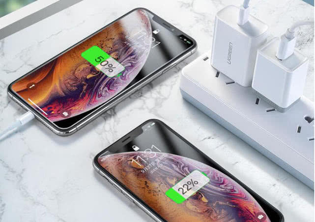 What are the types of mobile phone wireless charging?